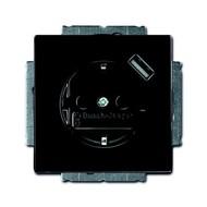 2CKA002011A6176 - Розетка Schuko с устройством зарядным USB, 20 EUCBUSB-81-500, Carat чёрный(антрацит), 16А, 700 мА, электронная защита от перегрузки КЗ, безвинтовые клеммы, защитные шторки,